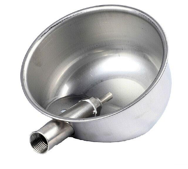 Чашечная поилка для поросят